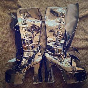 Demonia high plateau boots